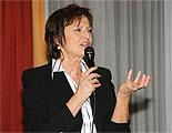 Anne Schüller während eines Vortrags